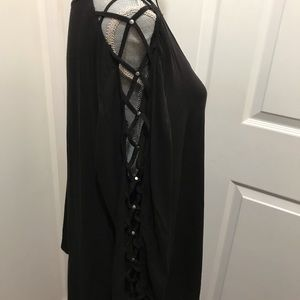 Torrid Black Top w/ Open Laced Sleeves 🔆NWOT🔆